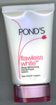 Pond's : Flawless White Deep Whitening Facial Foam