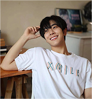 XIW : Tshirt - Why are you XMILE White Size L