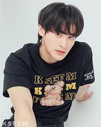 K SEE M : Bearby Nhom-tuay 01 T-shirt - Black