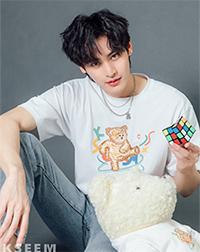 K SEE M : Bearby Nhom-tuay 03 T-shirt - White