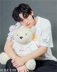 K SEE M : Bearby Nhom-tuay 04 T-shirt - White